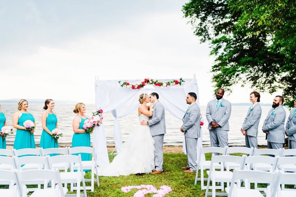 Carrona Waterfront Wedding at The Wellwood in Northeast Maryland (3)