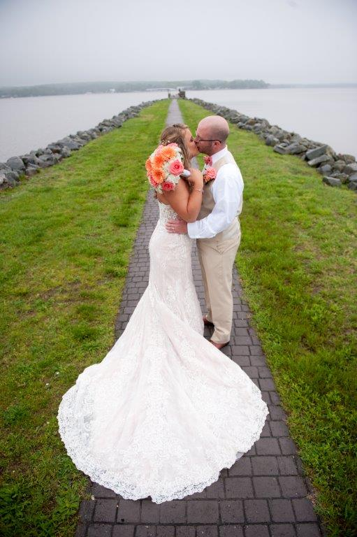Lindsey Danny waterfront wedding at The Wellwood in Northeast Maryland (14)