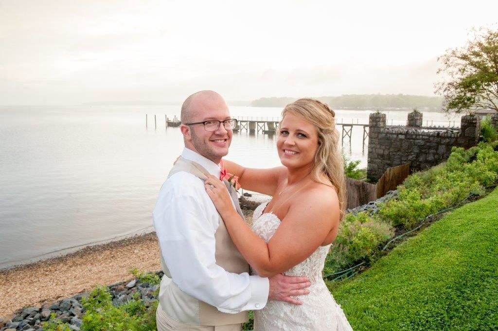 Lindsey Danny waterfront wedding at The Wellwood in Northeast Maryland (9)