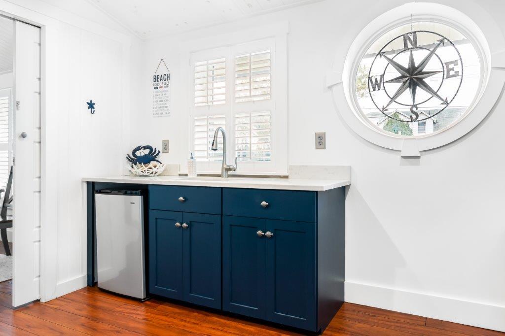 Key West Cottage kitchen sink