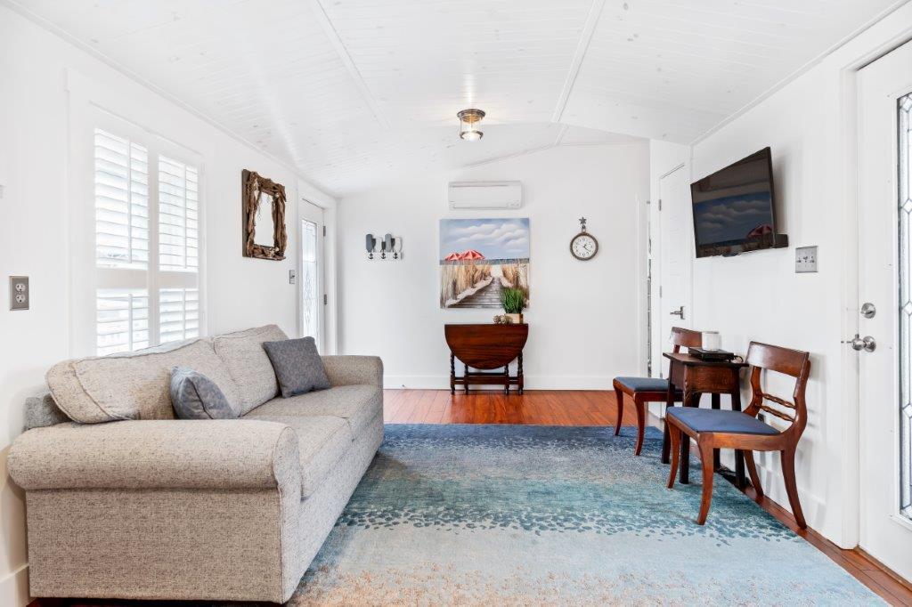 Key West Cottage living area