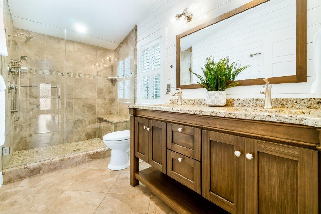 Key West Cottage bathroom 1 vanity
