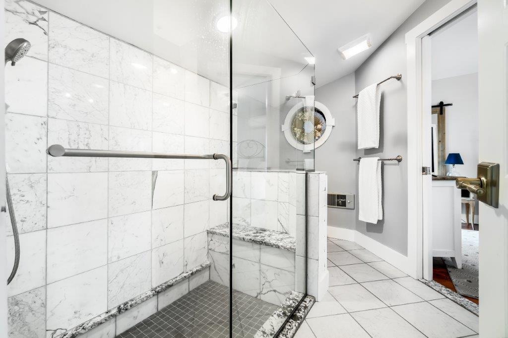 Key West Cottage bathroom 1 shower