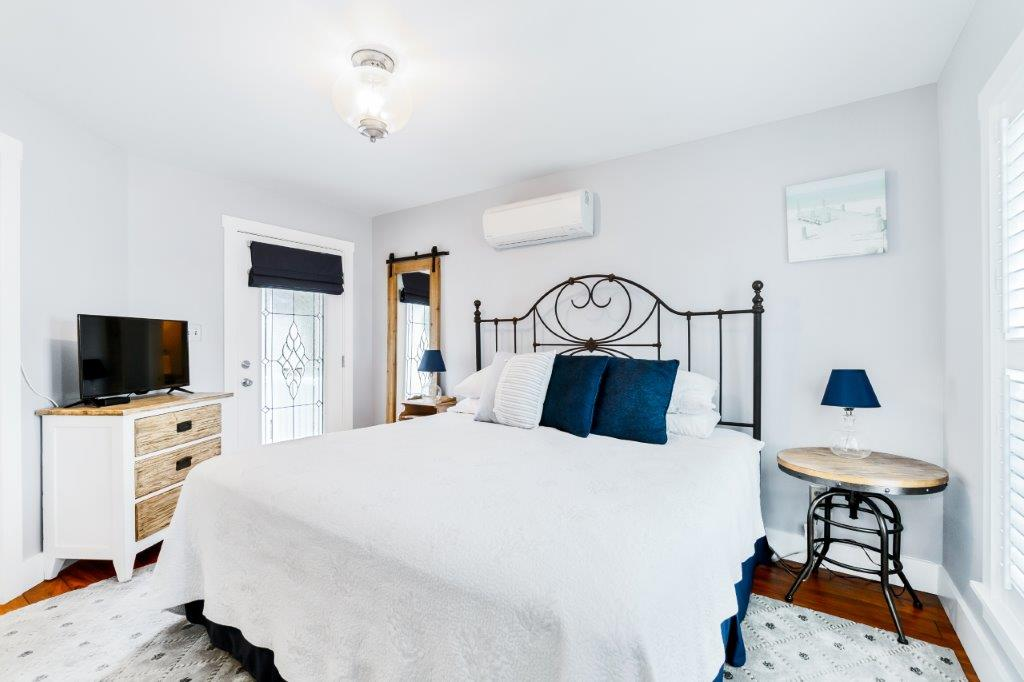 Key West Cottage bedroom 1